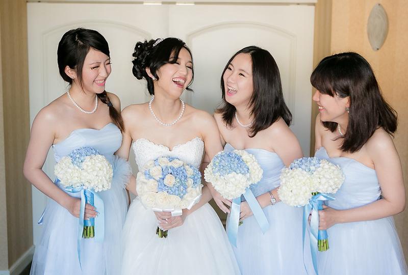 Wedding planner helped style the bride and bridesmaids for a perfect wedding photo at Hyatt Huntington Beach http://RoyceWeddings.com Call: 626-560-2537