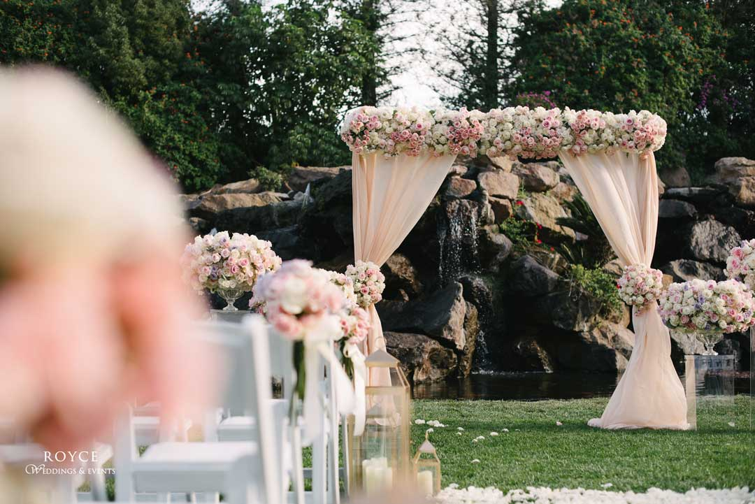 Beautiful isle created by a Los Angeles wedding planner - Call: 626-560-2537